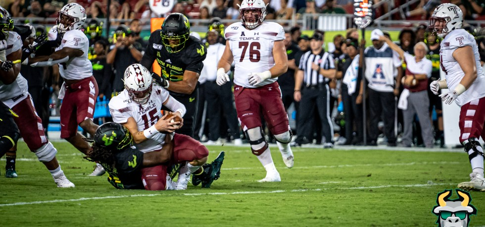 USF LB Dwayne Boyles sacks Temple QB Anthony Russo 2019 at Raymond James Stadium (11/07/2019)