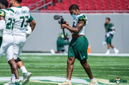 18 - USF Spring Game 2021 LB Antonio Grier Jr with camera DRG06142