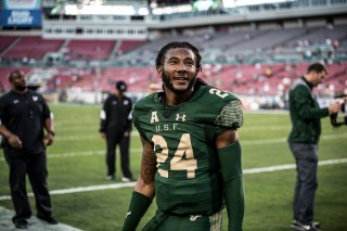 14 - Navy vs. USF 2016 - USF DB Johnny Ward by Dennis Akers | SoFloBulls.com (6016x4016)