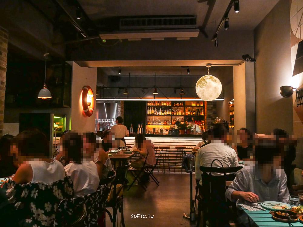 國父紀念館餐酒館》Outing Café & Bar●以為來到小人國的迷你餐量餐酒館 一輪明月陪你喝酒吃晚餐