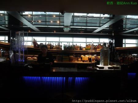 [食記]台北信義 隨意鳥地方 101高樓景觀餐廳 俯瞰台北全景錢燒光吃美食也甘願~