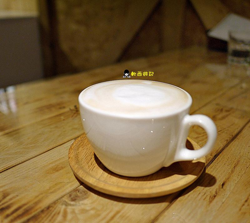 [食記]台北南京復興站 1861 Caffe(遼寧店) 聚會好所在~來Bistro小酌一番吧 *有WIFI 不限時 附完整菜單* 超濃郁韓風起司鮮蝦燉飯