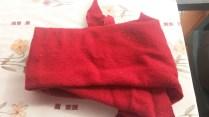 Chute laine bouillie rouge - 82 x 43 minimum - 1€