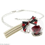 Collier-globe-boule-rose-rouge