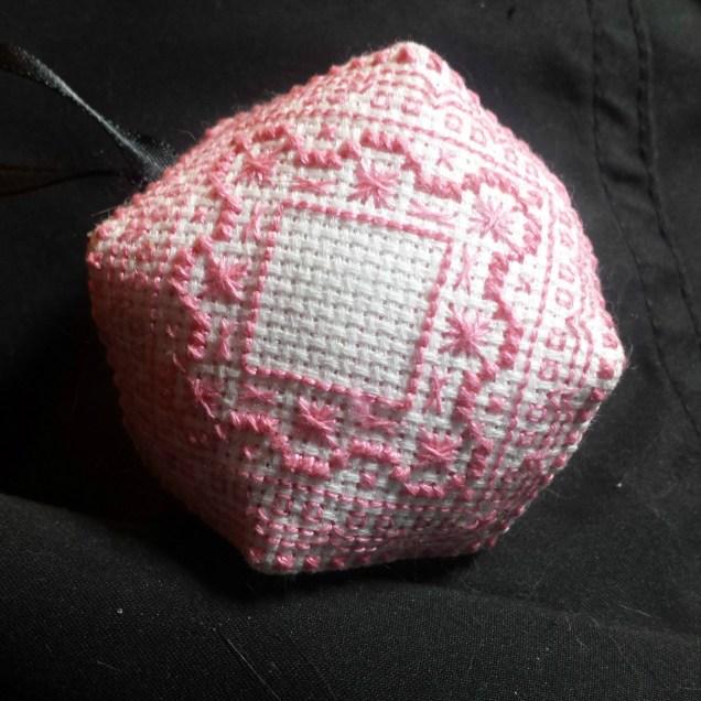 etape-biscornu-rose04