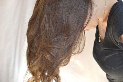 7 bước tự tạo mái tóc xoăn quyến rũ 9