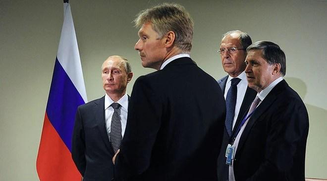 Mỹ trục xuất 35 nhà ngoại giao Nga, áp đặt trừng phạt mạnh - Ảnh 1.