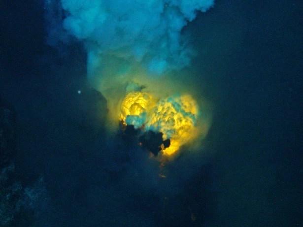 Những bí ẩn kỳ quái bị chôn vùi ngàn năm dưới đáy đại dương - Ảnh 14.