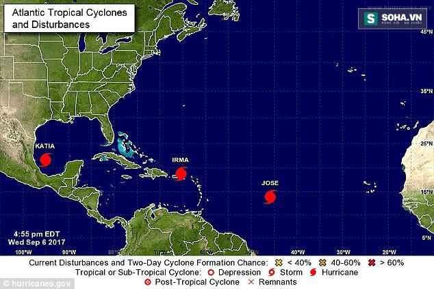 Bộ ba siêu bão đang hoành hành dữ dội trên Đại Tây Dương - Ảnh 1.