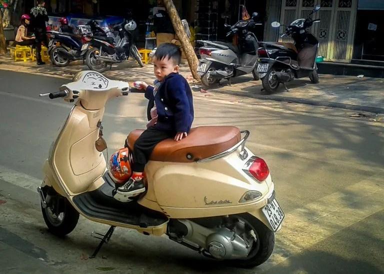 Cô gái ngoại quốc vạch trần 6 điều kỳ cục mà bạn sẽ tìm thấy ở Việt Nam - Ảnh 3.