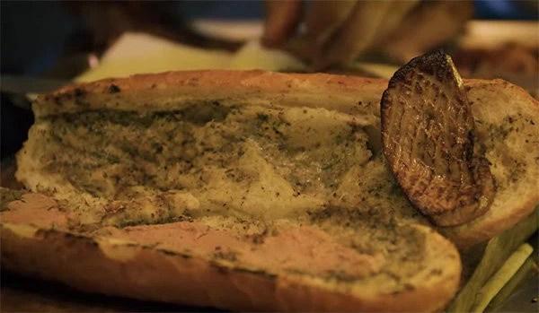 Khám phá chiếc bánh mì giá 2,3 triệu đồng ở Sài Gòn, chỉ hội con nhà giàu mới có thể ăn không nghĩ ngợi - Ảnh 6.
