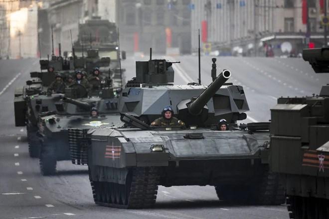 Nhận diện quân đoàn xe tăng nổi tiếng Nga điều tới áp sát NATO - Ảnh 1.