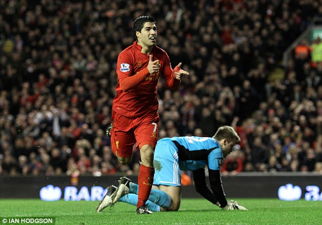 Luis Suarez menjaringkan dua gol pada perlawanan ini