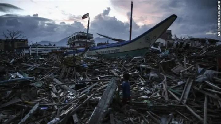kemusnahan yang teruk akibat bencana alam Taufan Haiyan