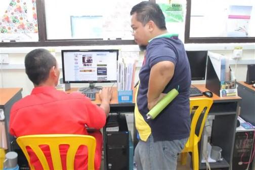 penghuni penjara pelajar Open University dalam bidang Pentadbiran Perniagaan