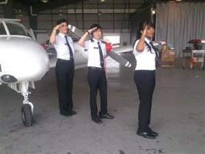 gambar pilot wanita