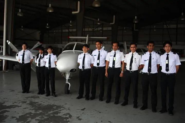 gambar pelajar malaysia flying academy