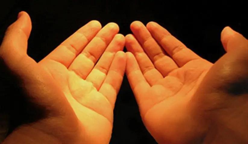 Berdoa merupakan salah satu ibadah yang disukai Allah