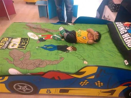 Sungguh cute katil budak ini. Model tu (Adam) pun sangat cute