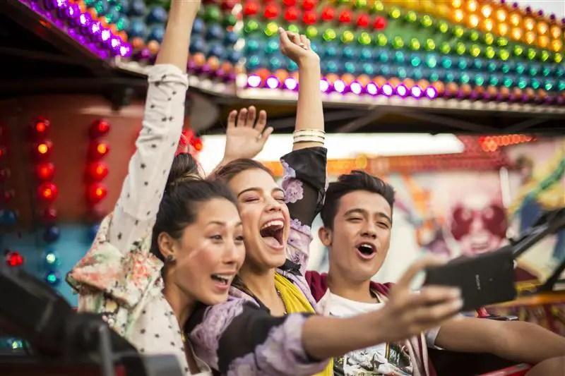 Smartphone untuk kaki selfie