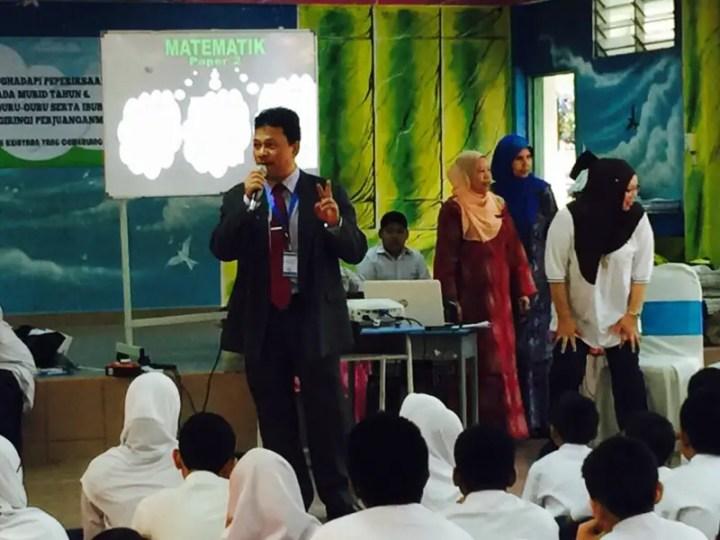 pengarah pendidikan negeri selangor turut datang memberi semangat