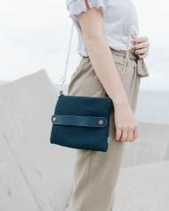 bolso mano azul modelo 2