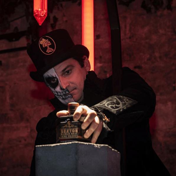 Photo du Magicien de la soirée Sexton au Chapelais de Paris