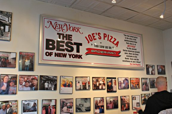 Wall of fame chez Joe's pizza
