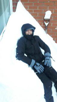 Le balcon enseveli de neige!