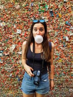 Je pop ma bulle au Gum wall de Seattle!