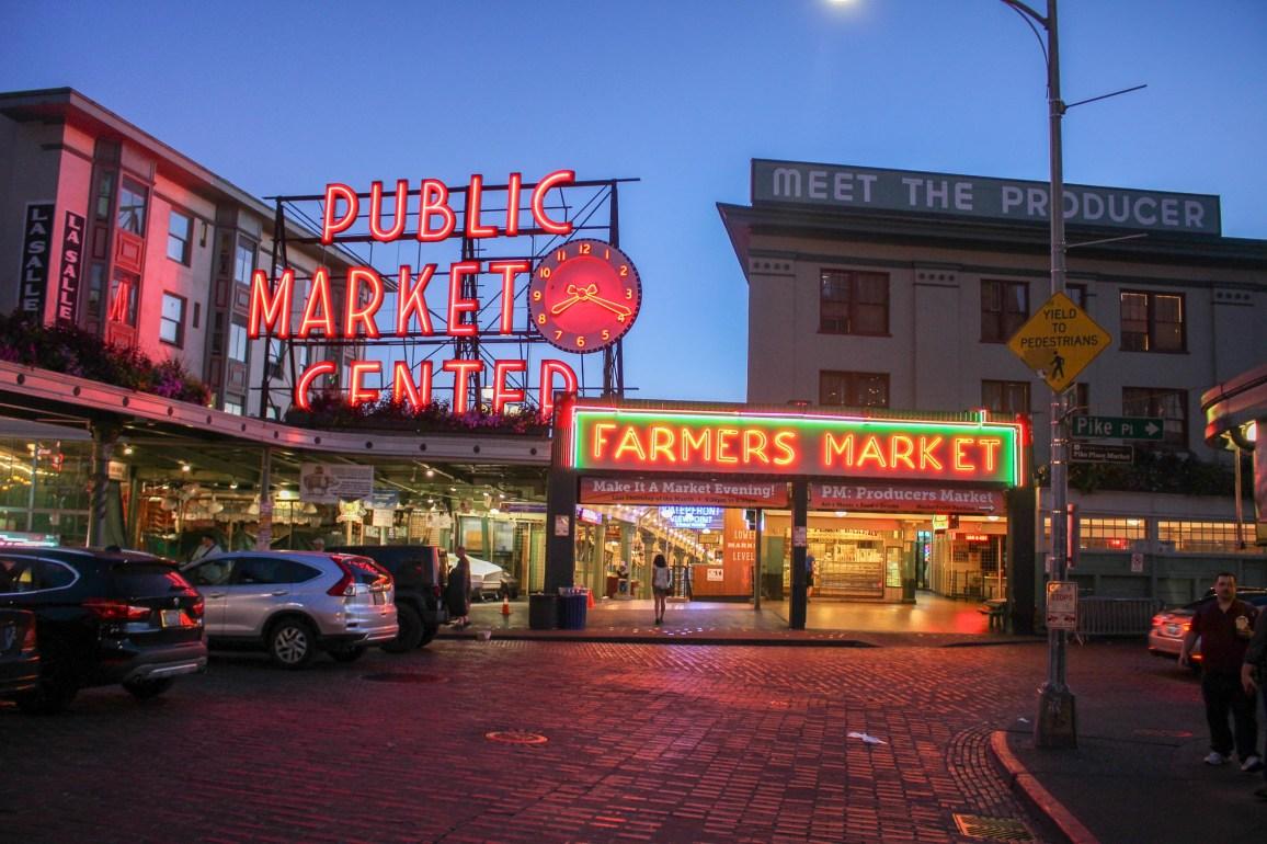 Pike Place Market de nuit
