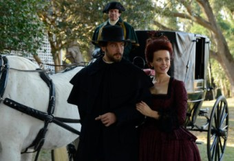 Ichabod and Katrina arrive at the Fredericks estate