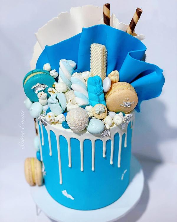 blue buttercream drip cake