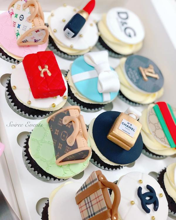 designer cupcakes in box