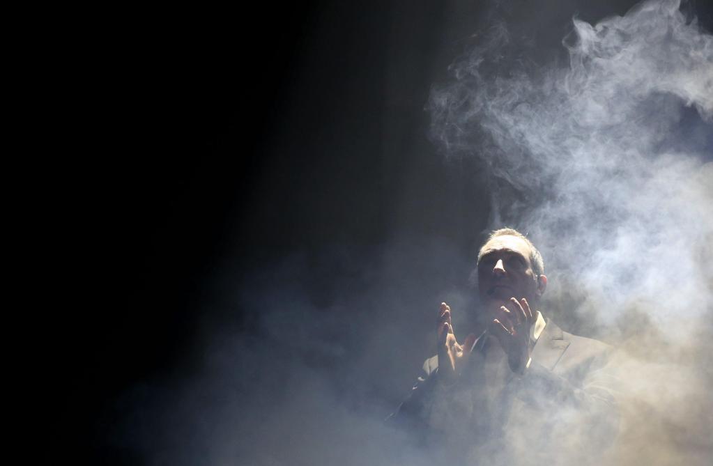 Un spectacle qui part en fumée. Crédit : MAXPPP