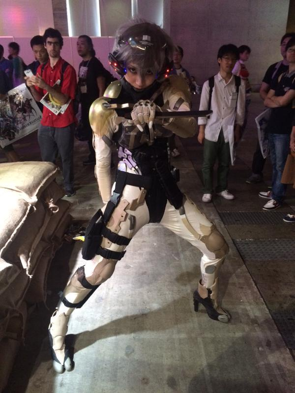 [COSPLAY] This female Raiden cosplayer from Metal Gear stole the show at Tokyo Game Show 2015