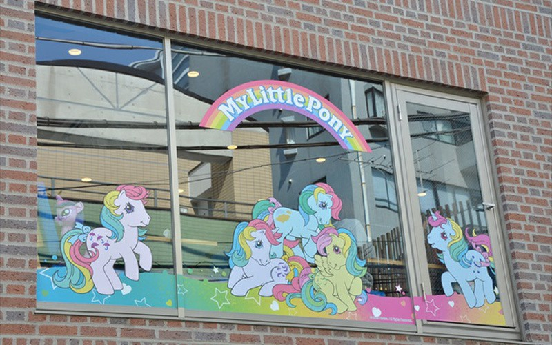 [RANDOM] There is actually a My Little Pony cafe in Japan