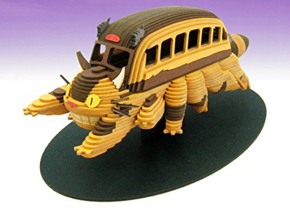 [LOOT] My Neighbor Totoro's Catbus comes to life in amazing papercraft figure