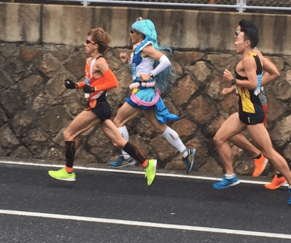 [COSPLAY] PreCure 'Mahou Shoujo' shows athletic prowess in marathon