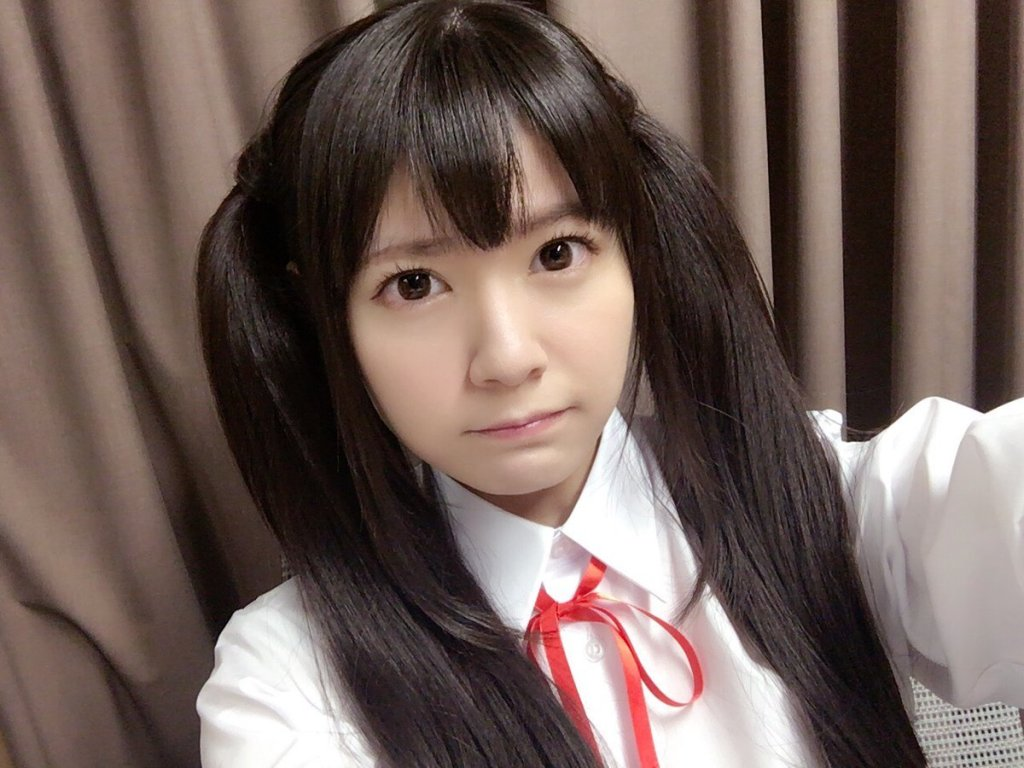 Ayana Taketatsu goes Azu-nyan for a Halloween party