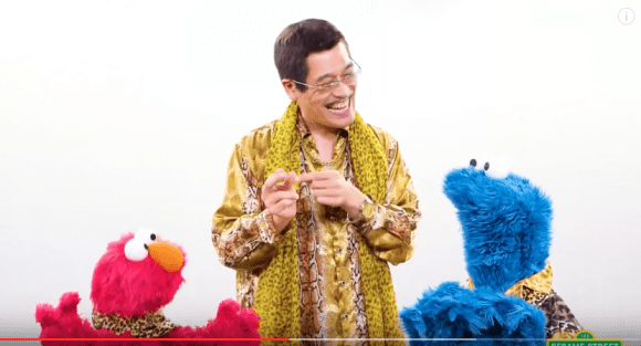 PPAP singer, Piko Taro, sings C-B-C-C with Elmo and Cookie Monster for Sesame Street Japan
