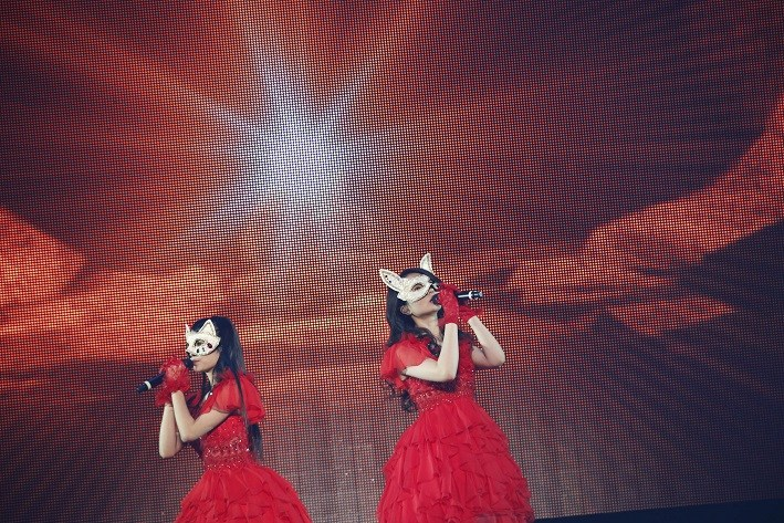 ClariS members show up for the first time during their Budoukan concert