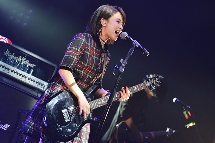 "Shiena Nishizawa Fires Up Nationwide Tour with ""Break Your Fate"" at AKASAKA BLITZ"