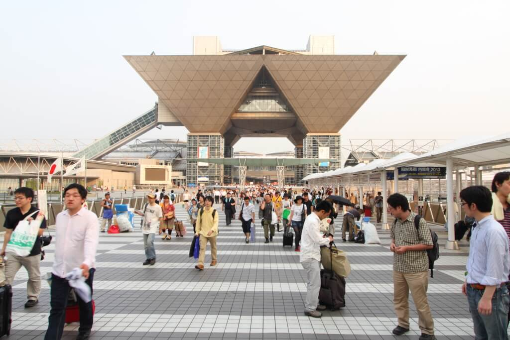 A Good deed at Comiket 93: Good Samaritan returns lost wallet with 100,000 yen cash