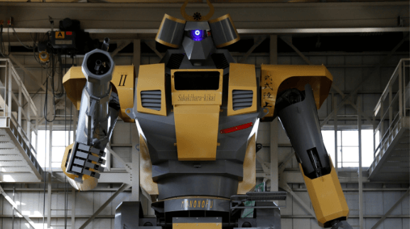 Gundam fan uses engineering skills to create a giant robot