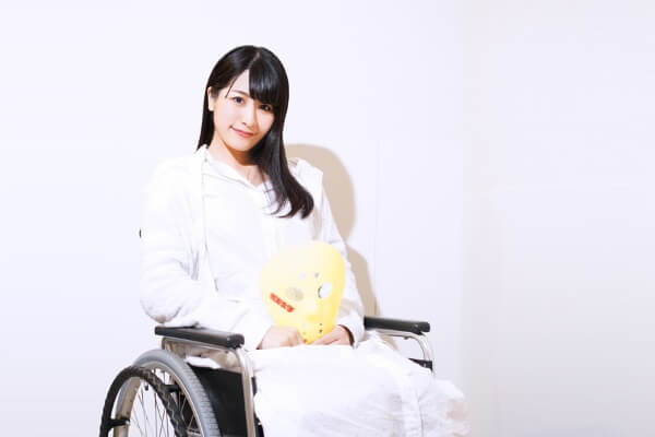 "Wheelchair-bound Tomoka Igari Returns to ""Kamen Joshi"" Activities"