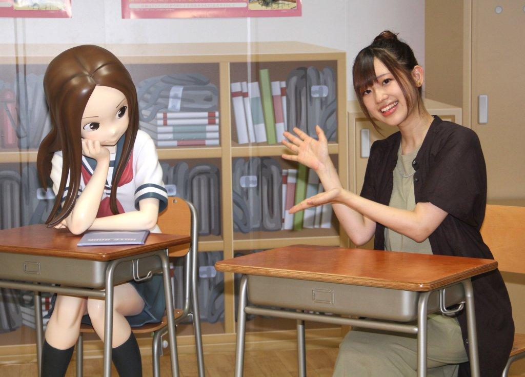Life-size Takagi-san statue will tease you over at Hikifune Station