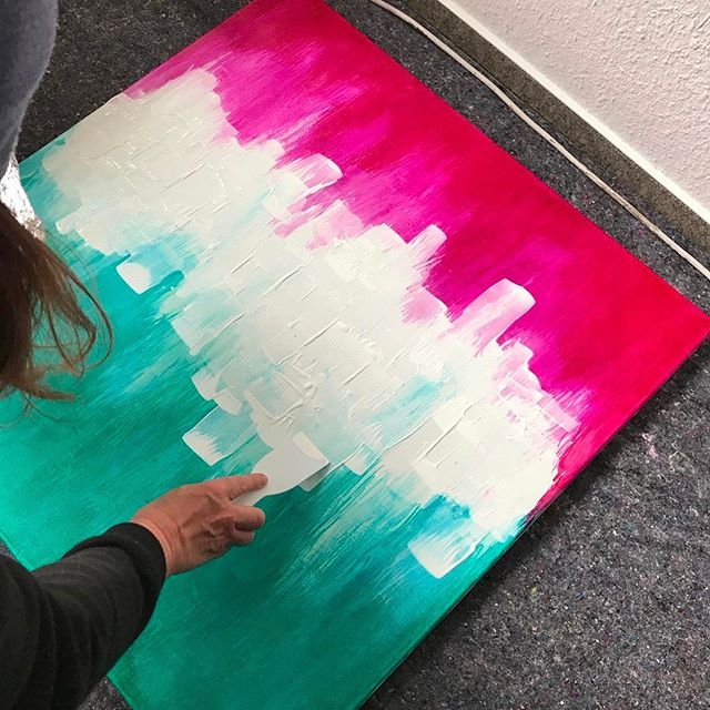 "New #painting in the making. Tomorrow ""Open Studio Day"" at #rz #rechenzentrumpotsdam #Potsdam #berlin #ausstellung #kunst #exhibition #art #arte #streetart #urbanart #event #design - from Instagram"