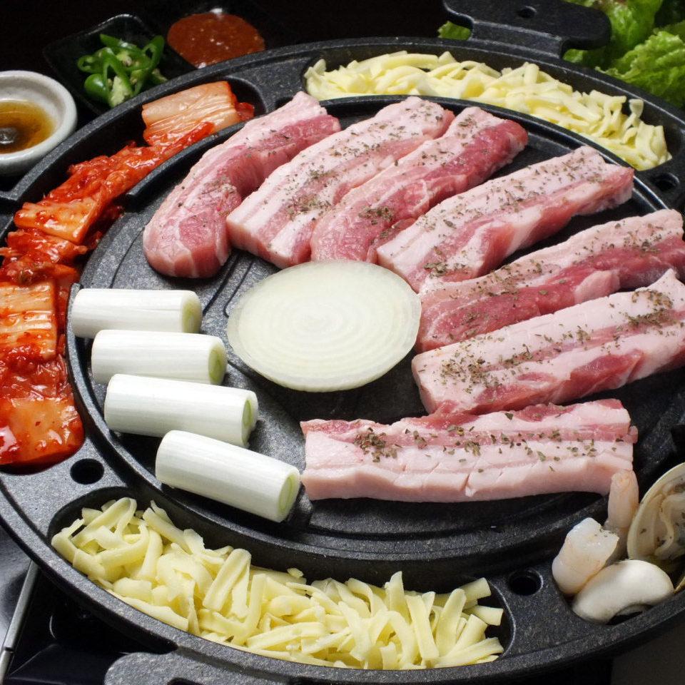 関内韓国料理ソクチョサムゲタン・サムギョプサル