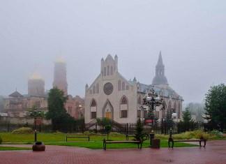 Почему Вы считаете необходимым посещение богослужений?